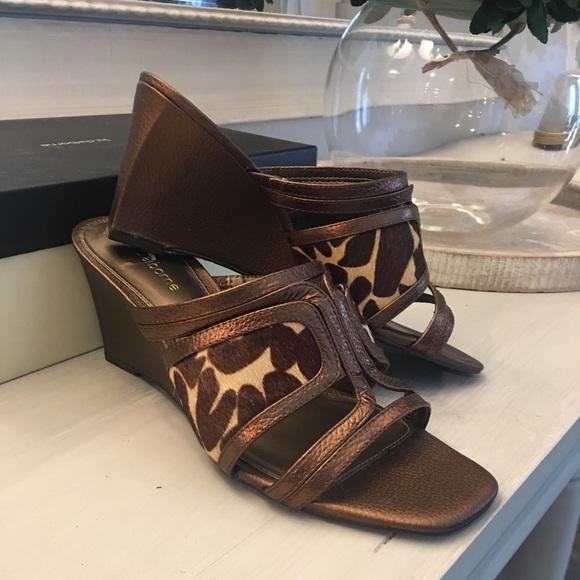 03c4a28d3c8 Liz Claiborne Shoes - Liz Claiborne GIA Giraffe Hair Wedges Size 7